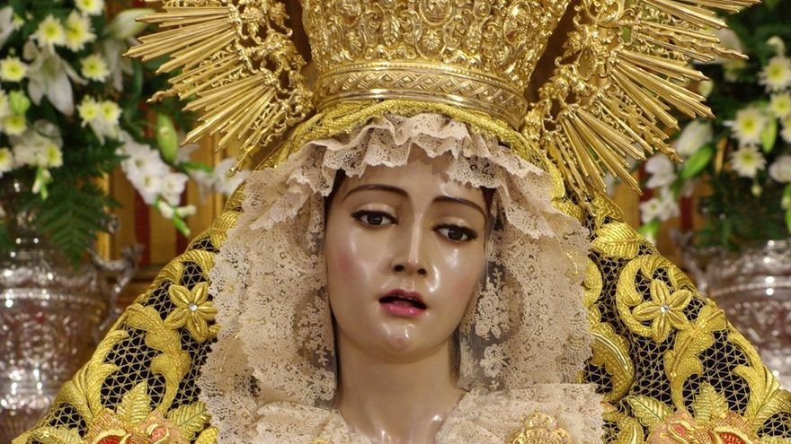 La Virgen de los Dolores de Servitas y la Reina de los Cielos se suman a la exposición del centenario de la Agrupación
