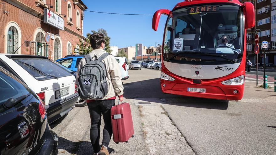 Renfe recuperará una frecuencia del tren Alcoy-Xàtiva tras reparar los daños causados por la DANA de 2019