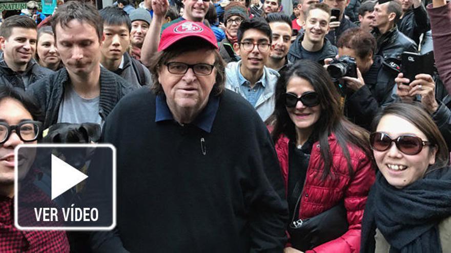 Michael Moore se cuela en la Torre Trump