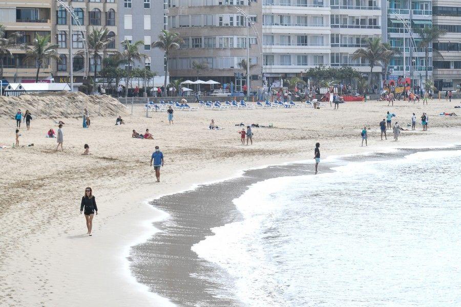 La Playa de Las Canteras por el Dia de Navidad