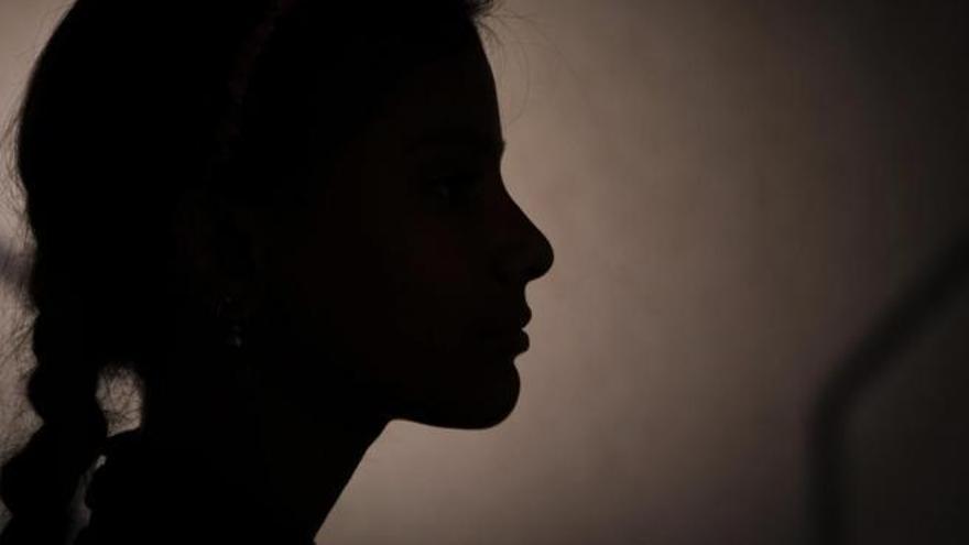 Piden investigar a una mujer que pudo manipular a su hija para denunciar falsos abusos sexuales y perjudicar al padre