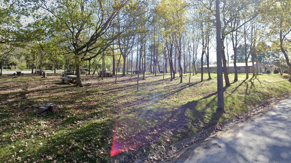 Zona de merenderos del parque forestal de O Vixiador. / Google Maps