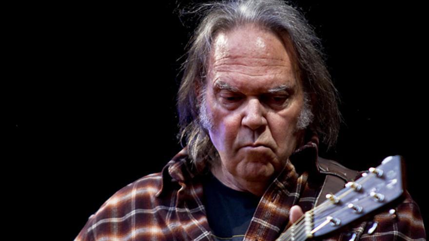 Neil Young vende la mitad de sus derechos sobre su catálogo musical