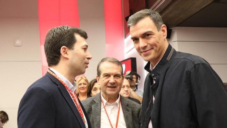 Sánchez tiende la mano al PP para que se sume a la mesa de diálogo con Cataluña