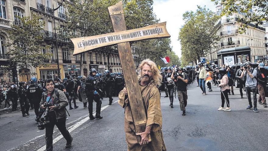 El negacionismo naufraga en España