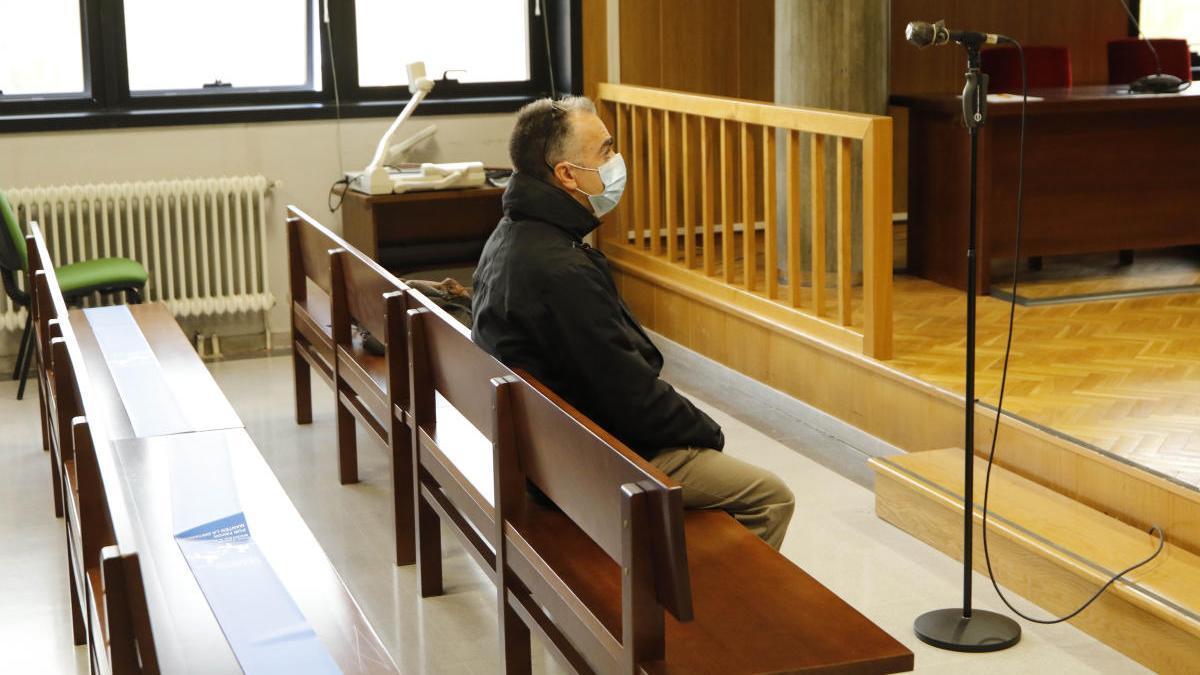 El acusado, durante el juicio. // Alba Villar