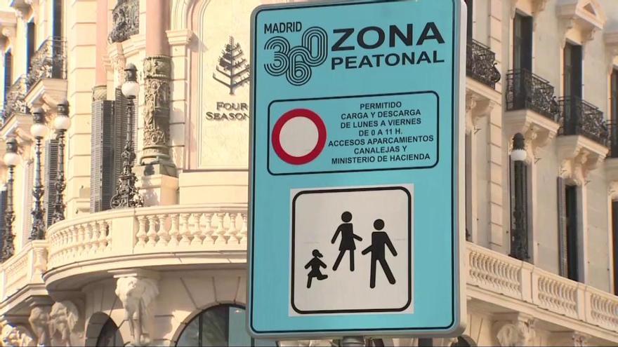 La emblemática Puerta del Sol de Madrid cierra al tráfico
