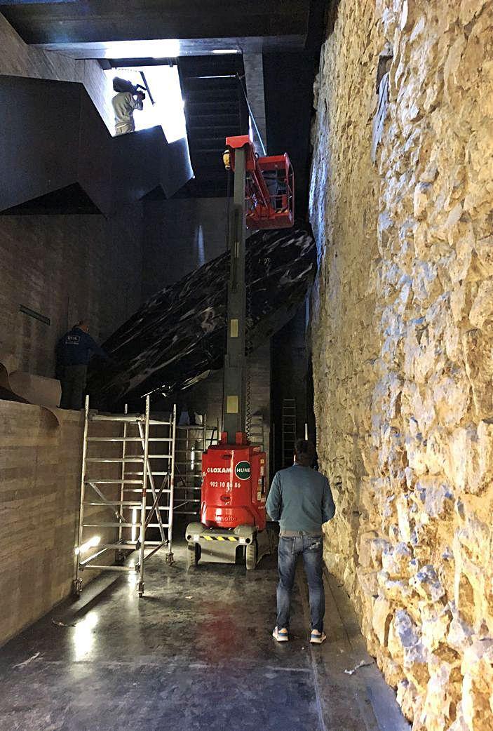 La instalación de Sard, 'Rompiendo el mar', se podrá contemplar, concluida su fase de montaje, en el Centro Conde Duque de Madrid.