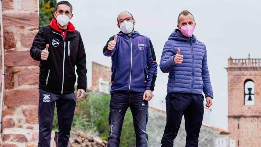 Tres runners de Vilafamés... de Atzeneta al Everest