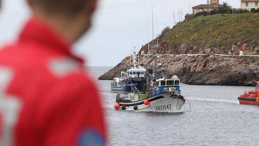 Una embarcación coruñesa colisiona con otra en Asturias