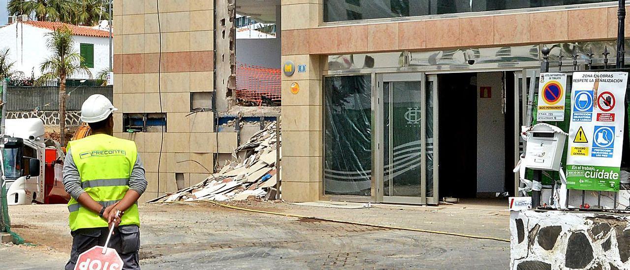 Imagen de la renovación de un hotel en el sur de Gran Canaria.     LP/DLP