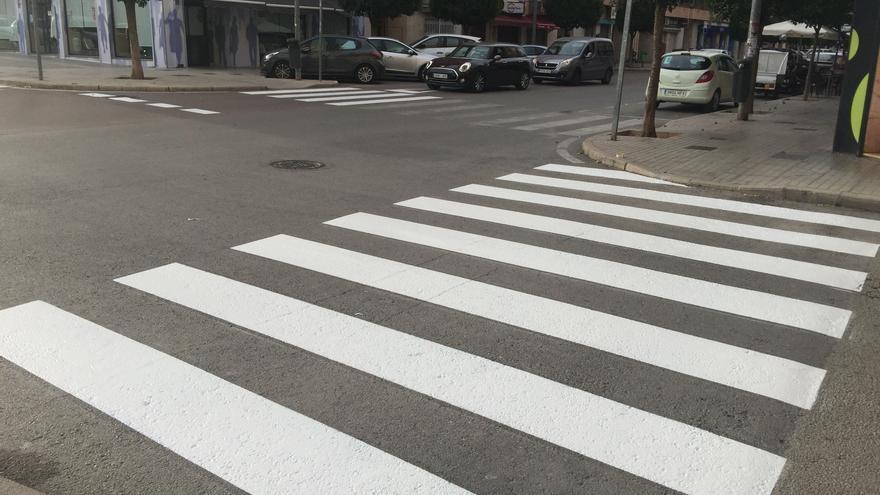 Petrer repone la pintura vial en 13 calles