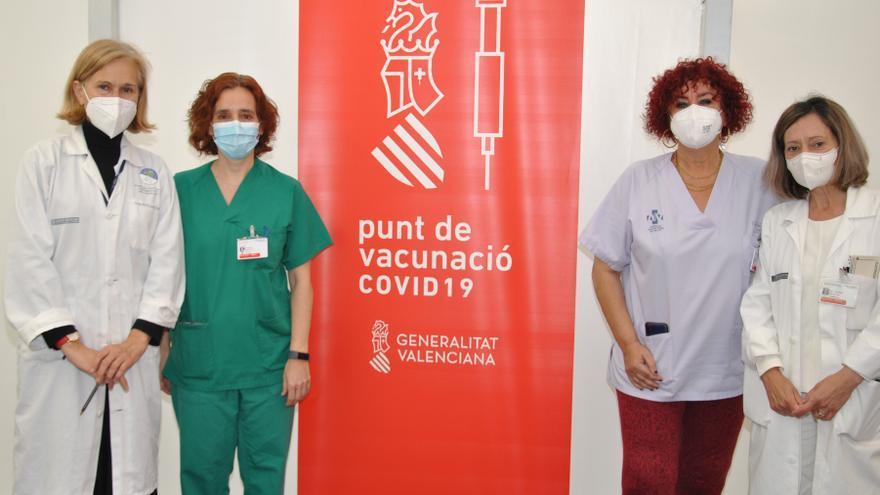 Un estudio del General de Castelló revela que el 99,6% de los sanitarios adquiere inmunidad tras vacunarse