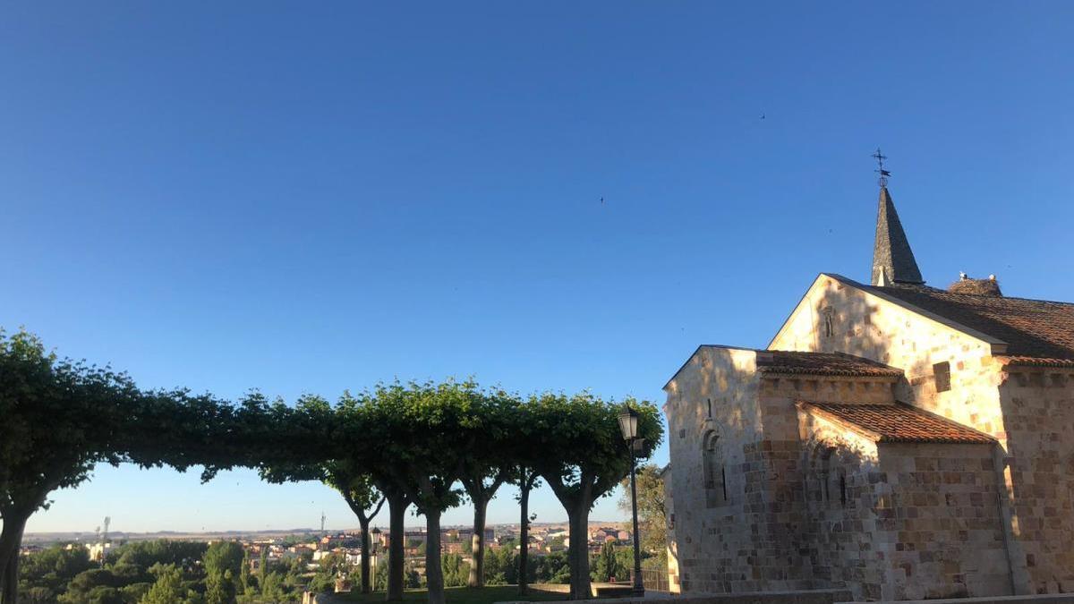 Mirador e iglesia de San Cipriano de Zamora, esta mañana.