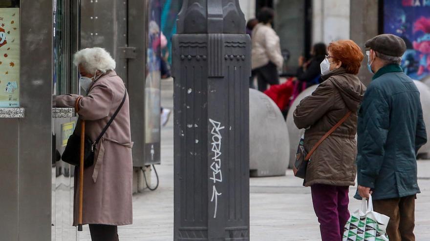 La venta de Lotería de Navidad en clubes y bares bajará más de un 50% en toda España