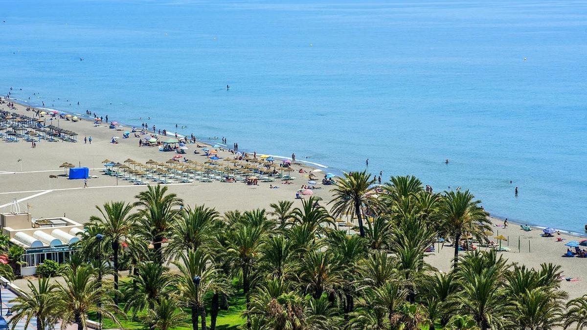 Una imagen aérea de la-playa de Los Álamos.