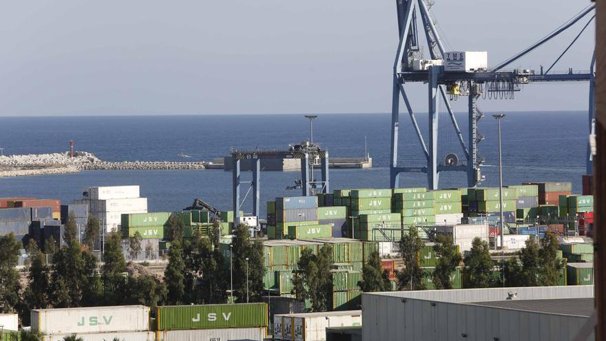 Alicante contará a partir de octubre con una conexión ferroviaria con Londres para enviar frutas y verduras al Reino Unido