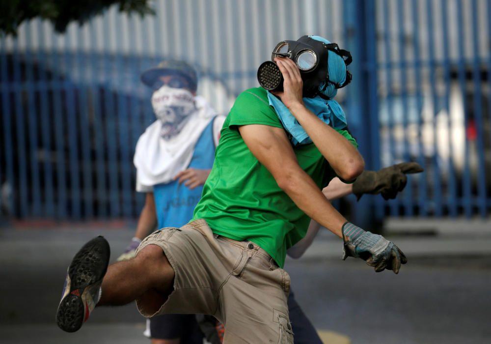 Continúan las protestas contra Maduro en Venezuela