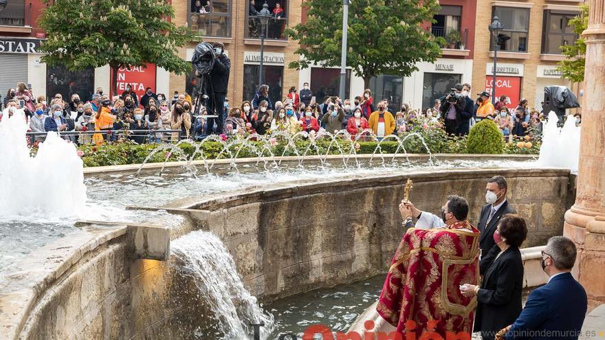 Ritual del baño de la Cruz en Caravaca