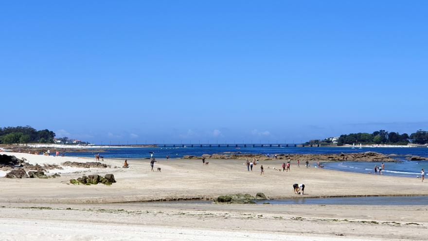 Un episodio de contaminación cierra una playa de Vigo