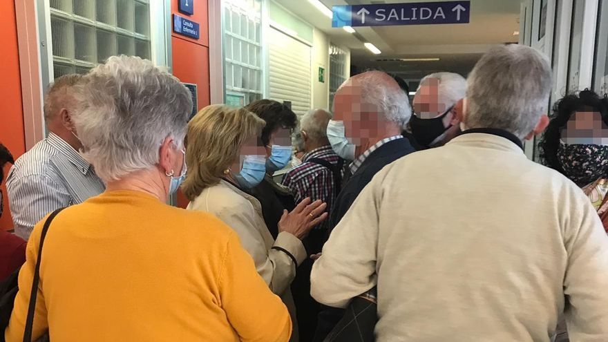 Aglomeraciones en la vacunación de mayores del hospital de Zamora