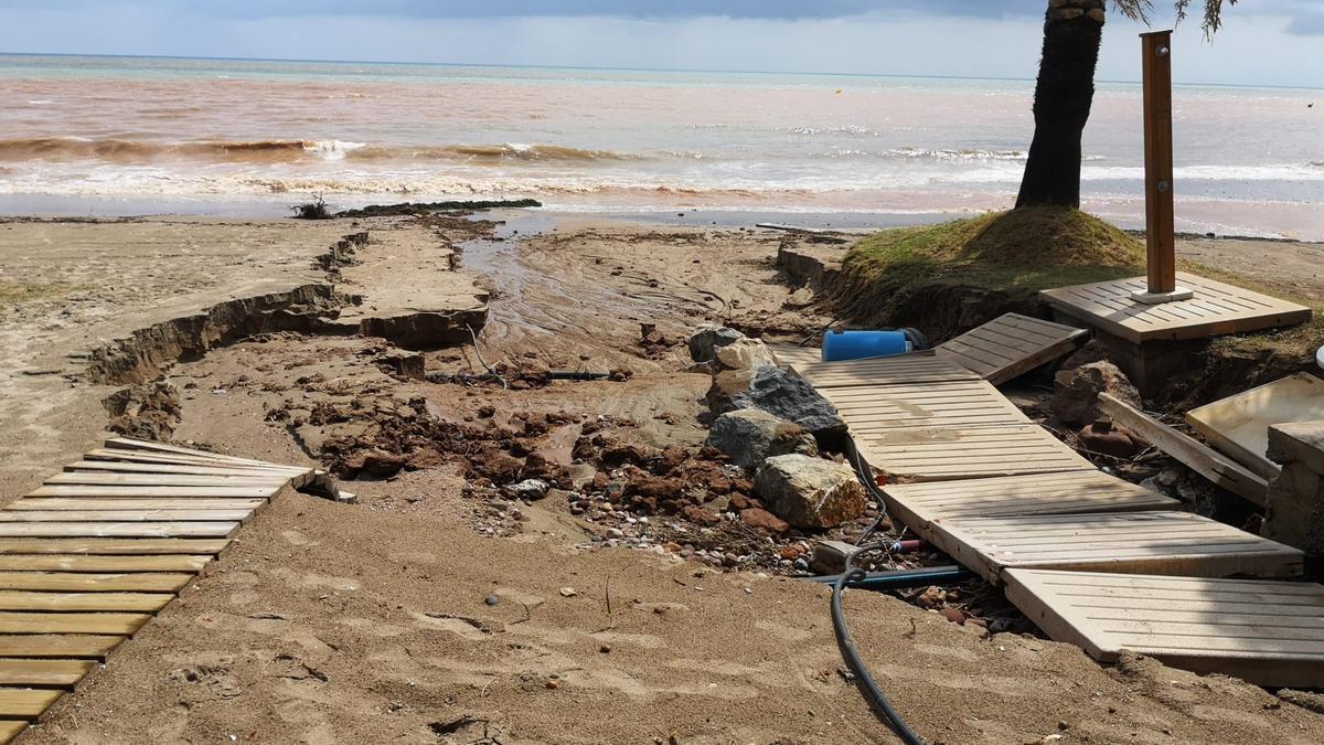 Los destrozos ocasionados por las fuertes precipitaciones son numerosos y en muchos casos costará mucho tiempo repararlos.