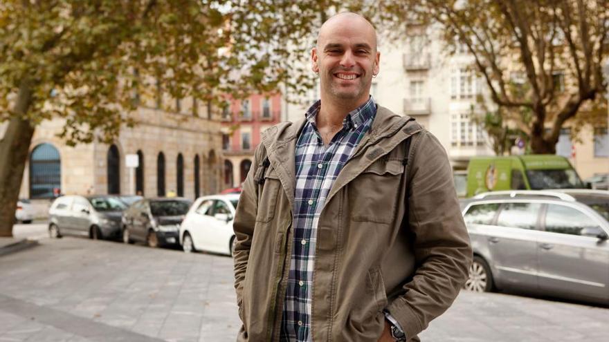 Monchu García formaliza su precandidatura a la secretaría general del PSOE de Gijón