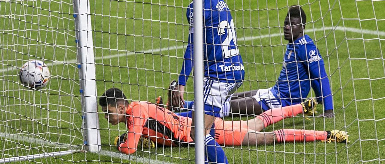 Tejera, Brazão y Obeng, tras el primer gol del Logroñés. | Irma Collín