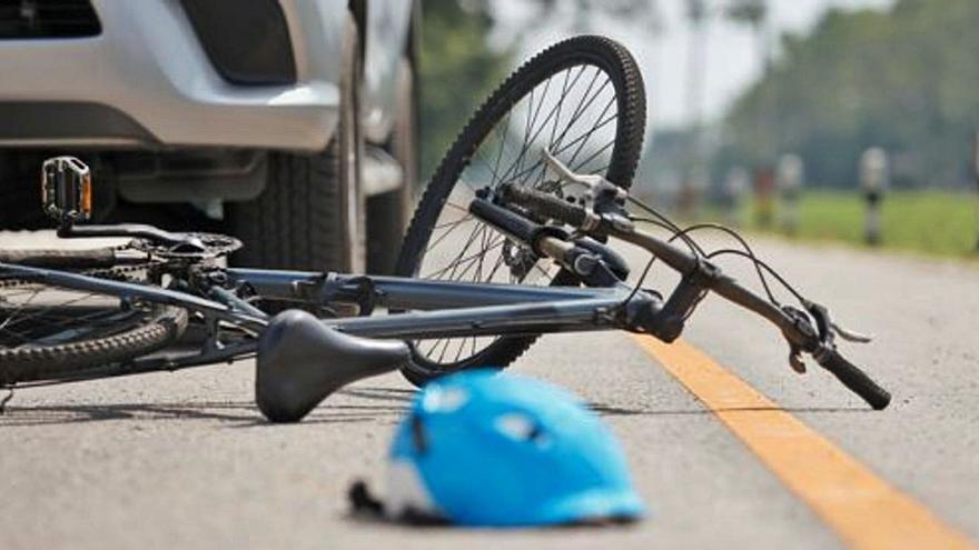 Nueva normativa para adelantar ciclistas en la vía | «Si la reforma en la Ley de Tráfico sirve para salvar al menos una vida, habrá valido la pena»