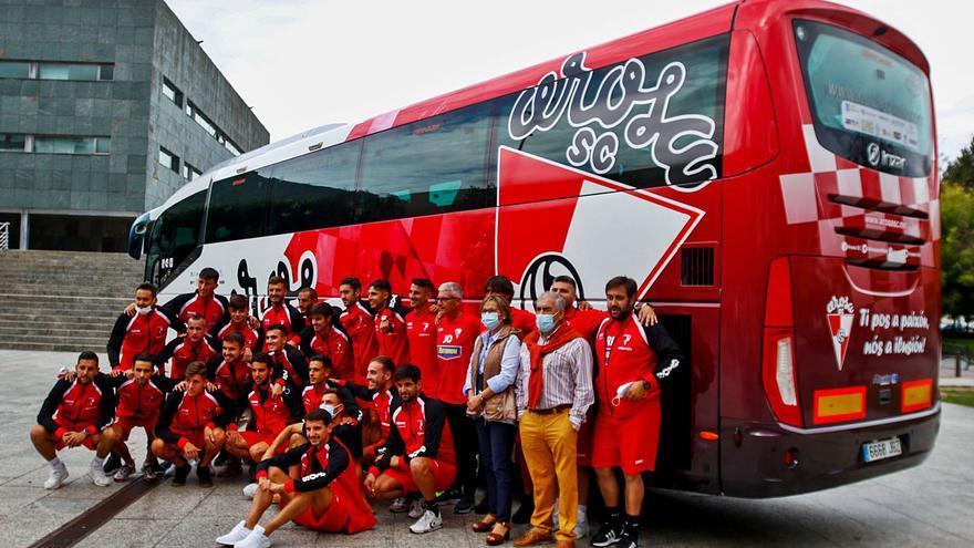 El Arosa viaja a Segovia presumiendo de autobús