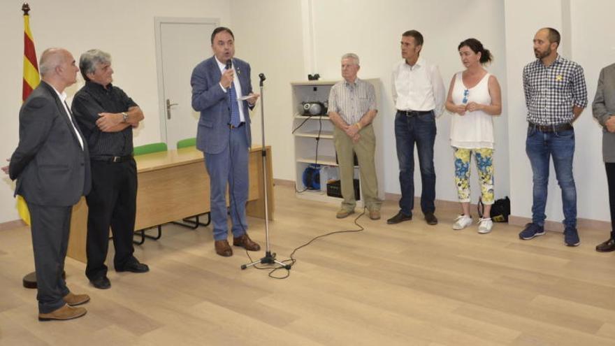 L'Associació de Veïns del Poble Nou estrena el nou local social al carrer de Flor de Lis
