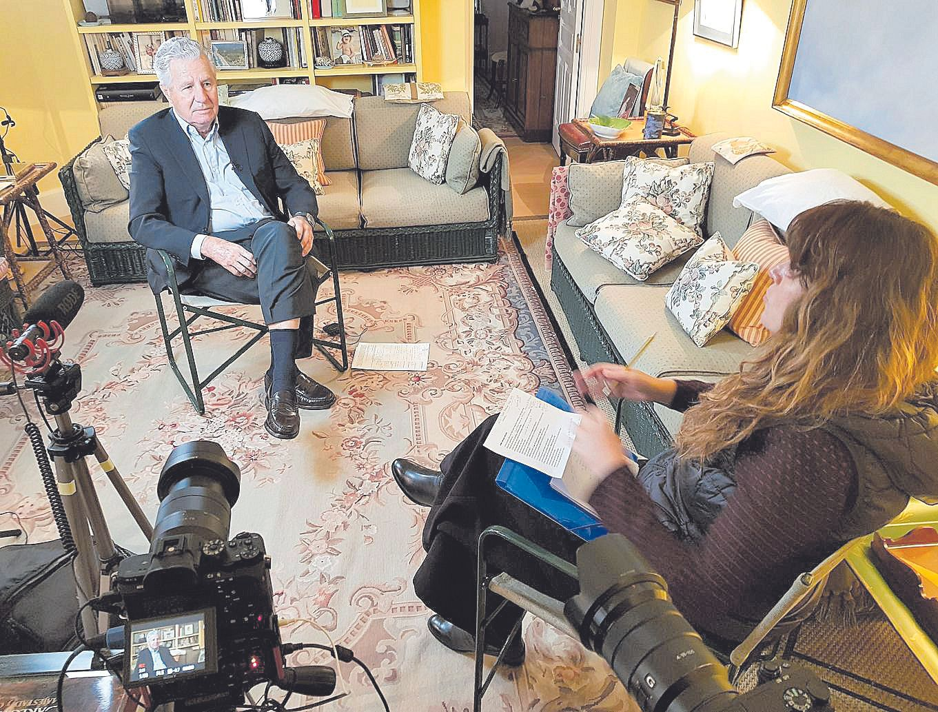 Rodaje con uno de los 36 entrevistados, Jaime de Carvajal y Urquijo.jpg