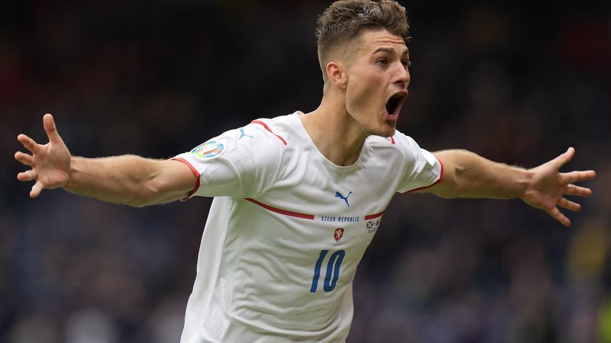 Patrik Schick anota el gol més llunyà de la història de l'Eurocopa