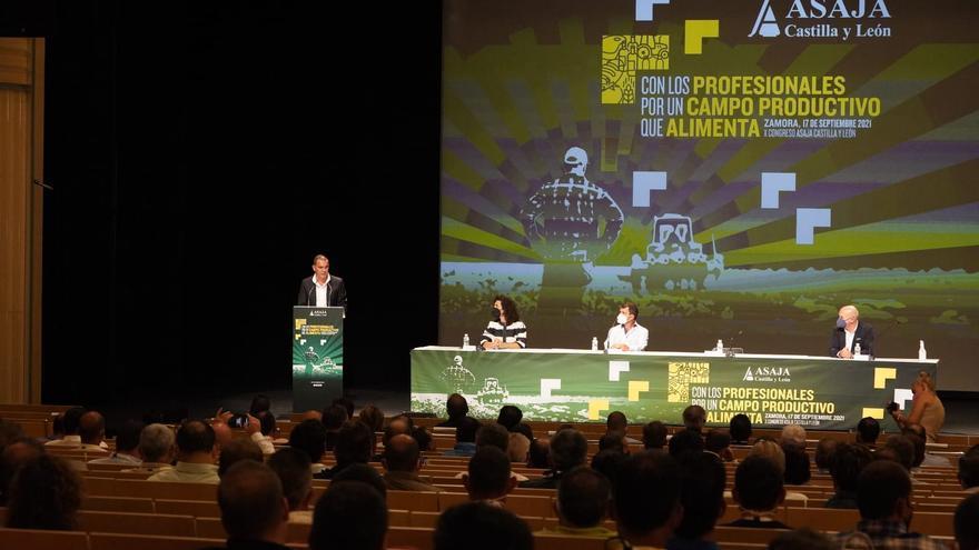 "Congreso regional de Asaja en Zamora | Antonio Medina, presidente: ""O estamos unidos o acaban con nosotros"""