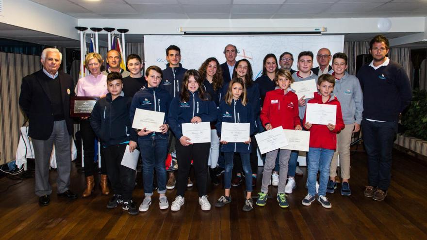 El Club de Mar Mallorca concede seis becas a deportistas para 2019