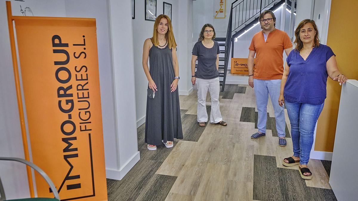 L'equip d'Immo-Grup Figueres-IGF a la recepció de les noves instal·lacions
