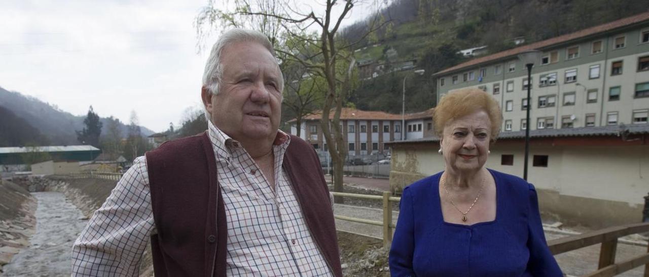 Diamantina Rodríguez y Facundo Fernández, en Rioturbio.