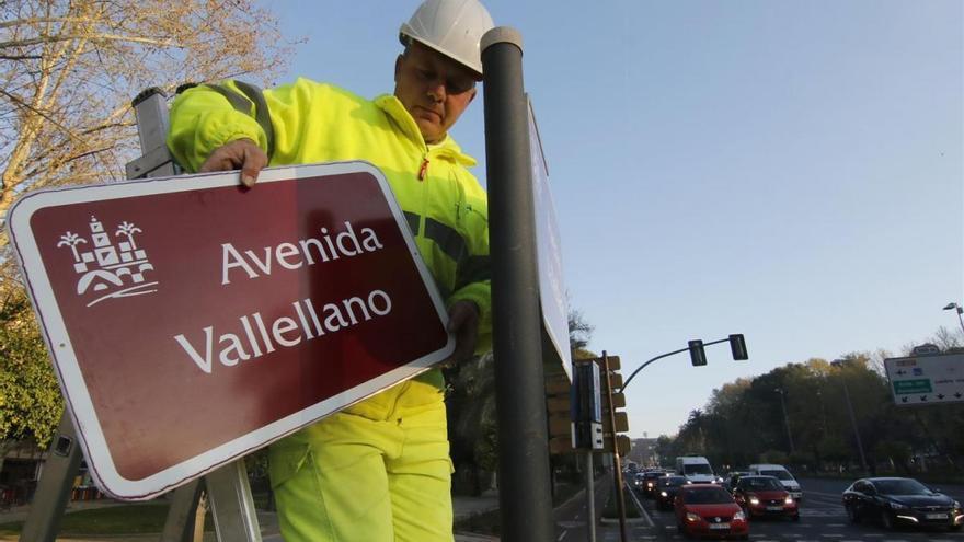 El Defensor andaluz admite a trámite la queja por el cambio de nombre de la avenida Vallellano