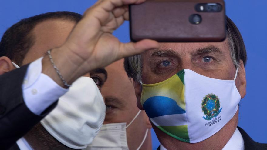 """Bolsonaro llama """"delicuente"""" a Lula y dice que solo podría gobernar por """"fraude"""""""