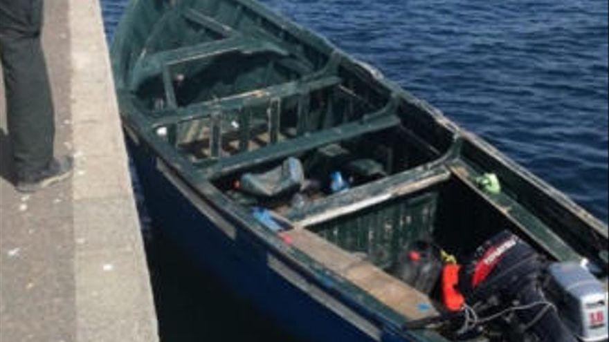 Interceptada una patera con 28 migrantes cerca de La Graciosa