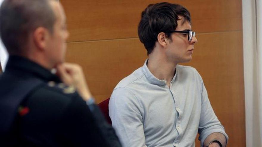 El acusado dice que atacó a su tía porque le mordió