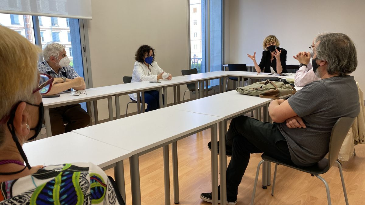 Reunión de la Concejala Verónica Ruiz con el Grup de Recerca per la Memòria Històrica para la reactivación del procedimiento.