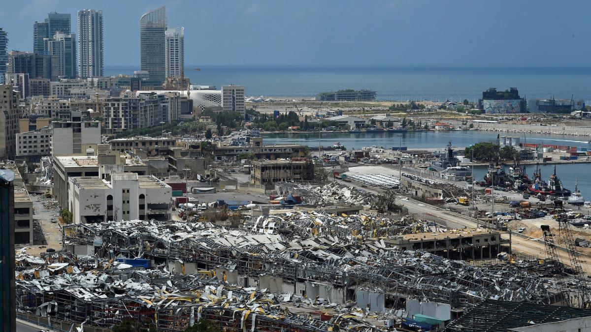 El puerto de Beirut tras la explosión.