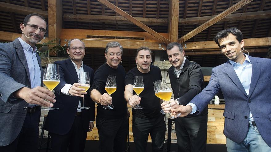 Damm i el Celler de Can Roca s'uneixen per crear Duet, la cervesa àcida de la marca que combina malt d'ordi i raïm
