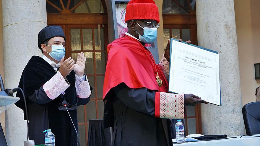 Honoris causa en la UCV para un crítico con el papa