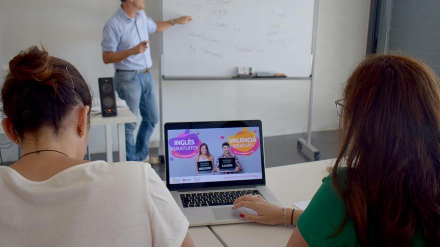 Educación crea el pasaporte lingüístico que aumentará la práctica de idiomas en el aula