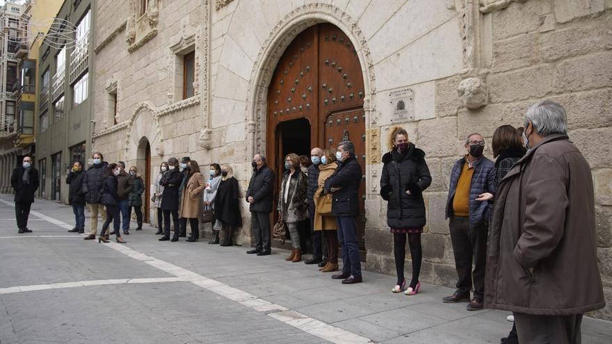 Los jueces de Zamora se concentran en repulsa a la agresión de la compañera de Segovia