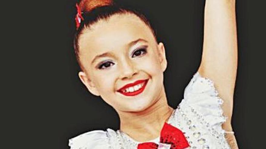 La gimnasta de Llombai Eugenia Bisbal se abre           un hueco en                        el Nacional