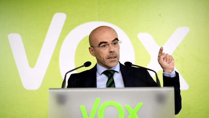 Vox pide manifestarse en Colón contra Rajoy y su gestión del 'procés'