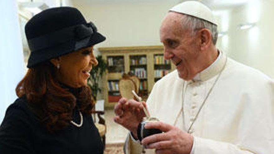 Kirchner pide al Papa que medie ante Londres por las Malvinas